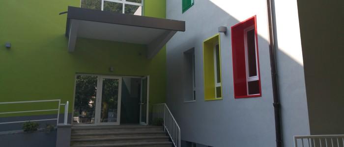 esterno scuola secondaria