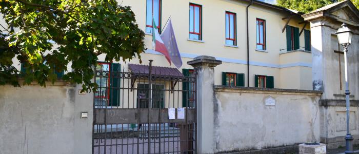 Scuola Primaria di Groppello, veduta esterna